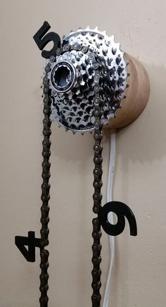 Bicycle Clock - This would be awesome to make.