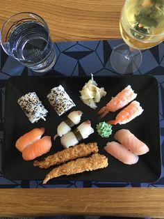 Når ham den søde er på Le Mans🏎 og damen selv står for aftensmaden🍱🍣 #sushi #sushinight