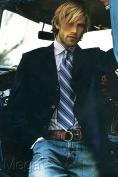 Fantastic Blue Striped shirt with a solid navy coat! Get your very own Thomas Light Blue Stripes from Hucklebury! http://hucklebury.com/products/the-thomas-light-blue-stripes