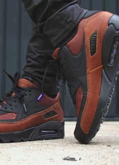 Nike ID Air Max 90 Pendleton (by iso_grail) – Sweetsoles – Sneakers, kicks and trainers. Nike Air Shoes, Nike Free Shoes, Nike Shoes Outlet, Nike Id, Sneakers Mode, Sneakers Fashion, Fashion Shoes, Shoes Sneakers, Souliers Nike