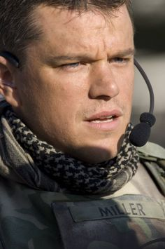 Matt Damon in Green Zone Matt Damon Jason Bourne, Hollywood Actor, Hollywood Stars, Actor Mark Wahlberg, Green Zone, Star Wars, Pretty Men, Gorgeous Men, Ben Affleck