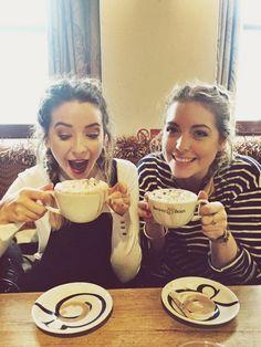 Poppy deyes (Alfie's sister) and Zoe sugg (zoella) drinking hot chocolate Zoella Beauty, Zoella Makeup, Poppy Deyes, Sugg Life, Zoe Sugg, British Youtubers, Celebs, Celebrities, Girl Crushes