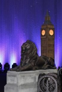 Lion on plinth prop