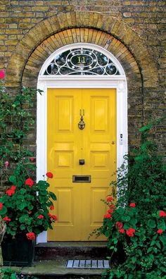 Front Door Paint Colors - Want a quick makeover? Paint your front door a different color. Here a pretty front door color ideas to improve your home's curb appeal and add more style! Best Front Door Colors, Yellow Front Doors, Best Front Doors, Front Door Paint Colors, Painted Front Doors, The Doors, Front Door Design, Windows And Doors, Beautiful Front Doors