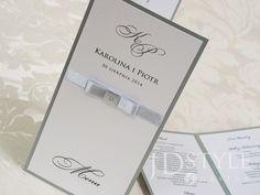 Eleganckie menu na wesele PR-02-M-(DL) do postawienia na stolikach, ze spisem dań oraz godzin podawanych ciepłych posiłków