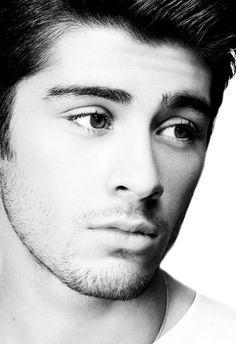 Zayn Malik.   Omg i feel soooo gay just looking at him. He's fucking sexy.