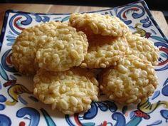 A tavola con semplicita': Biscotti con riso soffiato ... per i 4 diavoletti