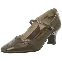 California Magdesians Women's August Mary Jane Pump
