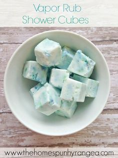 Whip up these Vicks Vapor Rub Shower Cubes in under 20 minutes from just a few ingredients! They'll bring instant relief from congestion when you throw one on the shower floor. Try the Vicks Vapor Shower Disks as well! Home Of All Your Favorite Things Cold Remedies, Natural Remedies, Sore Throat Remedies, Headache Remedies, Holistic Remedies, Health Remedies, Diy Para A Casa, Belleza Natural, Do It Yourself Home