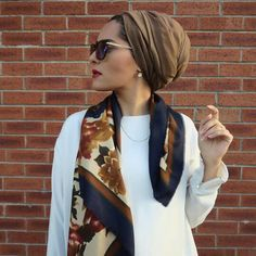 30 Modern and Stylish Hijab Wrap Ideas for Women with Oval Faces - Head Wraps Islamic Fashion, Muslim Fashion, Modest Fashion, Hijab Fashion, Modest Clothing, Turban Hijab, Mode Turban, Turban Outfit, Casual Hijab Outfit
