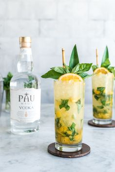 Vodka Pineapple Basil Smash Cocktail made with Pau Maui Vodka – Pineapple and Co… Vodka Ananas Basilikum Smash Cocktail mit Pau Maui Vodka – Ananas und Kokosnuss Cocktails and drinks. Cocktails Vodka, Non Alcoholic Drinks, Summer Cocktails, Cocktail Drinks, Cocktail Recipes, Beverages, Basil Cocktail, Cocktails With Basil, Drinks With Mint