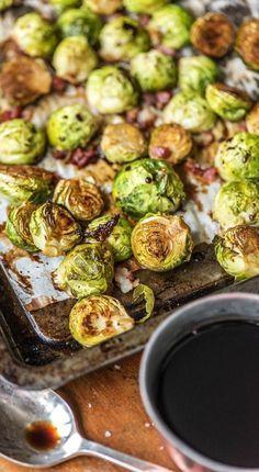 Step by Step Rezept für ofengerösteten Rosenkohl mitBacon Rosenkohl zubereiten: Entdeckt Eure Liebe zum grünen Gemüse Rezept / Kochen / Essen / Ernährung / Lecker / Kochbox / Zutaten / Gesund / Schnell / Frühling / Einfach / Blog / Ofen / Backen / Gemüse / Anleitung / Tipps / Guide #hellofreshde #kochen #essen #zubereiten #zutaten #diy #rezept #kochbox #ernährung #lecker #gesund #leicht #schnell #frühling #einfach #rosenkohl #ofen #backen #tipps #anleitung #bacon #blog #lernen #guide