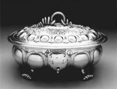 John Coney is regarded by many as the greatest American silversmith. Living in colonial Massachusetts between 1655 and 1722,