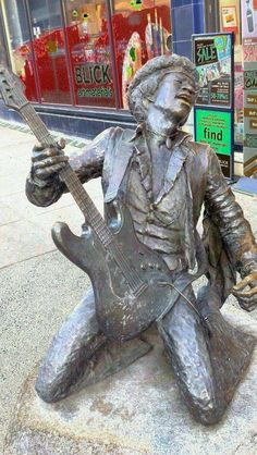 Jimi Hendrix Statue,Seattle Washington