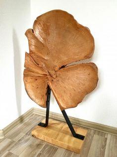 Slovensky-Italiano  Predstavujeme Vám ďalšiu jedinečnú ručne vyrobenú dekoráciu z prírodného materiálu, ktorá nepochybne dotvorí vzhľad Vašej modernej domácnosti. Nebojte sa... Wood, Table, Furniture, Home Decor, Madeira, Homemade Home Decor, Woodwind Instrument, Wood Planks, Mesas