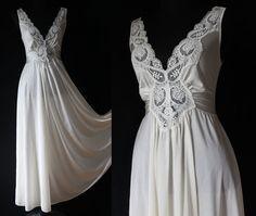 1970 Slip Vintage LINGERIE Nightgown silky Ivory SLIP NEGLIGEE Top Sleep wear Pajamas Nighty x-small small medium