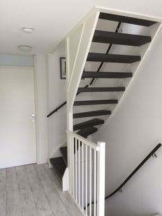 Staircase Design Modern, Home Stairs Design, Interior Stairs, Home Room Design, Attic Bedroom Small, Attic Bedroom Designs, Hallway Designs, Loft Conversion Stairs, Loft Conversion Design