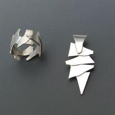 Zilveren ring en hanger gewalst