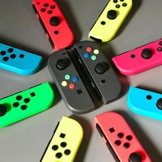 Nintendo Controller, Nintendo Consoles, New Zelda, Nintendo Switch Accessories, Gaming Room Setup, Geek Girls, Wall Decorations, Science Projects, Get One