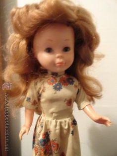 Muñeca Nancy pelirroja con la raya del pelo al lado. Vestido Nancy muy raro / Muñecas en todocoleccion
