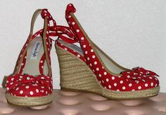 1940's red and white polka dot wedges