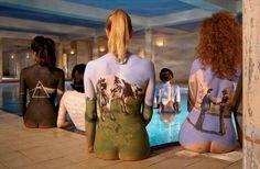 девушки разукрашены под альбомы группы Pink Floyd