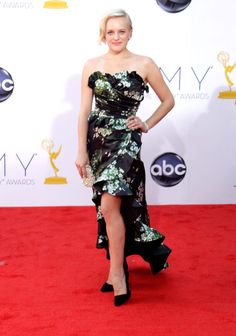 Emmy Awards 2012: Elisabeth Moss wowed in a floral-print Dolce & Gabbana strapless gown.  #Emmys