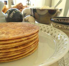 Lizasmatverden-Livet med tre store og en liten: Rømmebrød Pancakes, Baking, Breakfast, Food And Drinks, Morning Coffee, Crepes, Pancake, Bakken, Bread