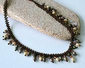 Seed Bead y collar de perlas, Beadwork Gargantilla - perlas de agua dulce, bolas de bronce, y Swarovski Topacio Tupis, en Caja de Regalo