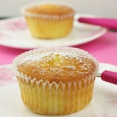 These Sicilian Orange Cupcakes are absolutely delicious and full of citrus flavour. Lemon Desserts, No Bake Desserts, Delicious Desserts, Yummy Food, Tasty, Orange Cupcakes, Yummy Cupcakes, Cupcake Recipes, Cupcake Cakes