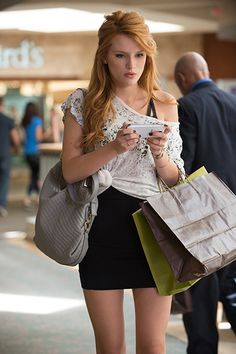 The Duff Movie Stills: On Set Interview & Pics with Bella Thorne, Robbie Amell
