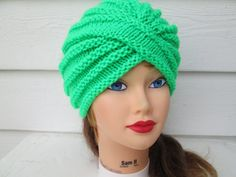 Ready to ship  Classy , Stylish, cozy, elegant turban in beautiful neon green  Warm and comfortable, lightweight.  Retro Hand knitted chunky turban