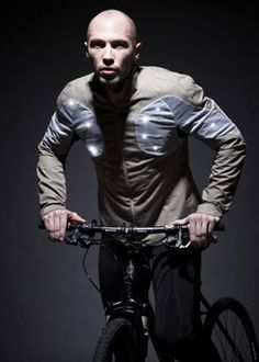 Sporty Supaheroe – The Intelligent Cycling Jacket