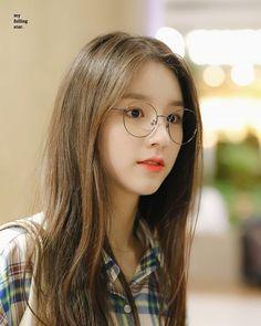 Kpop Girl Groups, Korean Girl Groups, Kpop Girls, Korean Beauty, Asian Beauty, Couple Aesthetic, Girl Wallpaper, Celebrity Couples, Ulzzang Girl