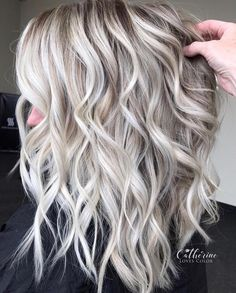 33 trendy ombre hair color ideas of 2019 - Hairstyles Trends Silver Blonde Hair, Platinum Blonde Hair, Blonde Wig, Cool Toned Blonde Hair, Greyish Blonde Hair, Silver Platinum Hair, Platinum Blonde Highlights, Blonde Balayage Highlights, Medium Hair Styles