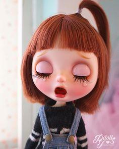 Crying so hard #pjdolls #customblythe #blythe #blythecustom #ooak #saddoll #カスタムブライス #人形 #ブライス Girl Cartoon Characters, Cartoon Pics, Cute Cartoon, Cute Illustration, Character Illustration, Blythe Dolls, Girl Dolls, Bjd, Cute Baby Dolls