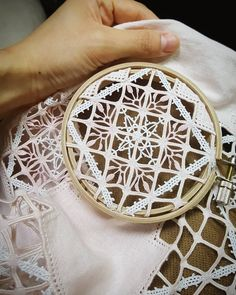 Hardanger Embroidery, Ribbon Embroidery, Embroidery Stitches, Embroidery Patterns, Needle Lace, Bobbin Lace, Romanian Lace, Drawn Thread, Point Lace