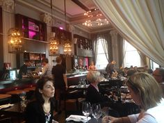 Les Lundis Ladies First at Suite 701, Montreal, Restaurant Review