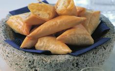 Cheese fillo triangles (Tiropitakia)