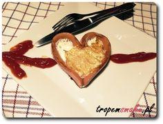 Podoba Ci się ten przepis? Udostępnij: Jajko sadzone w postaci serca zamkniętego w parówce to świetny pomysł nie tylko na Walentynki. Uważam,…