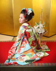 七五三 舞妓スタイル 空色舞妓03 Japanese Art, Japanese Things, Kimono Japan, Rite Of Passage, Yukata, Kimono Fashion, Asian Fashion, Kids Girls, Japan Events