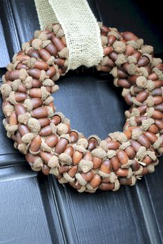 30 Easy Acorn Crafts for Fall Decor (& a Few to Wear!) 30 Easy Acorn Crafts for Fall Decor (& a Few to Wear! Diy Fall Wreath, Fall Diy, Fall Wreaths, Burlap Wreath, Acorn Crafts, Pine Cone Crafts, Crafts With Acorns, Diy Crafts, Adult Crafts