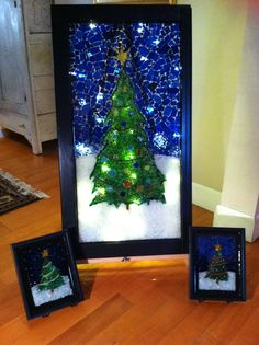 Stained glass mosaic Christmas tree courtesy of Kickin' Glass Kansas. Mosaic Garden Art, Mosaic Art, Mosaic Glass, Glass Art, Christmas Mosaics, Stained Glass Christmas, Glass Christmas Tree, All Things Christmas, Christmas Fun