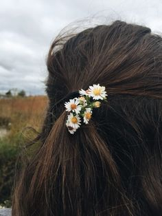 aesthetic, fashion, and girl Flower Aesthetic, Aesthetic Photo, Aesthetic Girl, Aesthetic Pictures, Aesthetic Fashion, Girl Photography Poses, Creative Photography, Beauty Photography, Photographie Indie