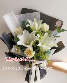 Flower Boquet, Bouquet Wrap, Gift Bouquet, Beautiful Bouquet Of Flowers, Hand Bouquet, Floral Bouquets, Beautiful Flowers, Wedding Flowers, Paper Flower Decor