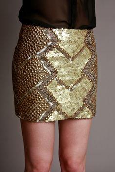 SAIA BORDADA EL DORADO My Princess, Diy Fashion, Stitch Fix, Sequin Skirt, Glamour, Style Inspiration, Caftans, Embroidery, My Style