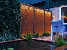 Verlichte avond tuin met cortenstaal - Van Jaarsveld Tuinen Boundary Walls, Gravel Garden, 3d Max, Fountain, Outdoor Living, Patio, Gardening, Home Decor, Style