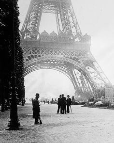 Guard At The Eiffel Tower, At Right A Wireless Station (Radio) Being Built.  The Eiffel Tower 1910