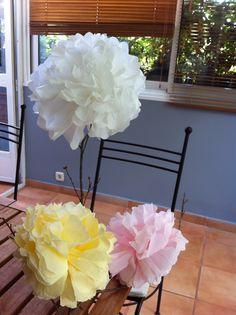 flores echas de papel