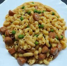 Tejfölös-virslis tészta zöldborsóval Cooking Recipes, Healthy Recipes, Tasty Dishes, Pasta Salad, Macaroni And Cheese, Food And Drink, Yummy Food, Eat, Ethnic Recipes
